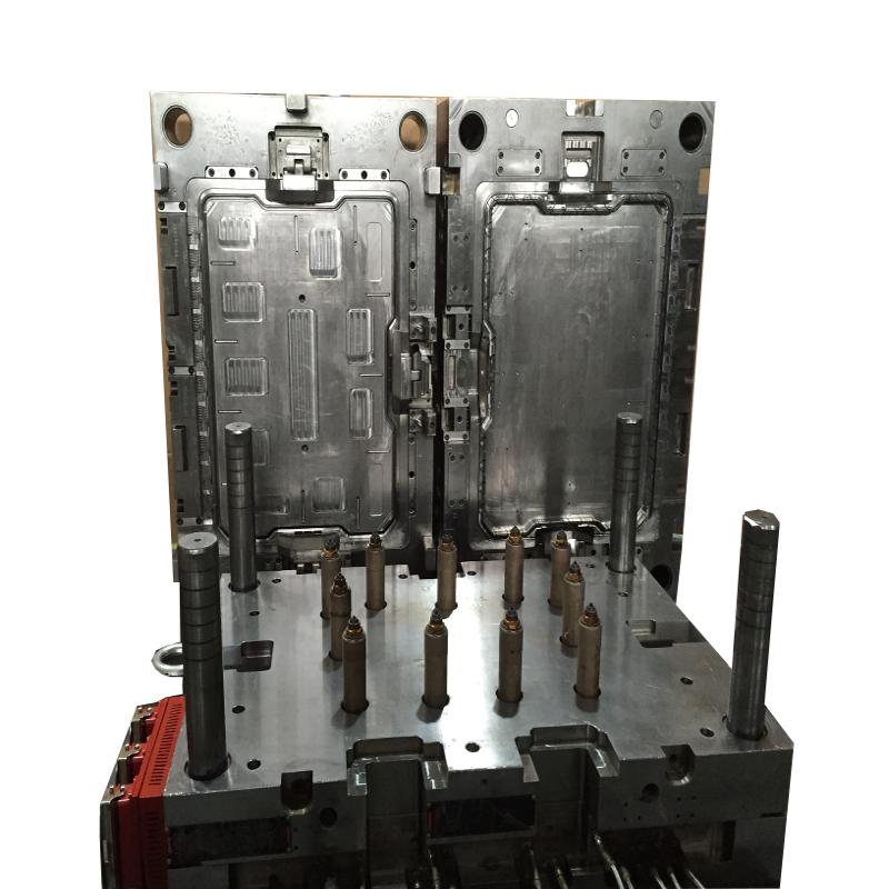 Kofferrahmenwerkzeug mit 11 Fach NV Heißkanal